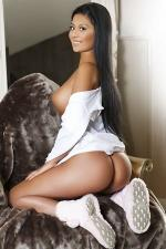 Hot Brunette Russian Escort Wanda Enjoy Sex Moments Marina Dubai