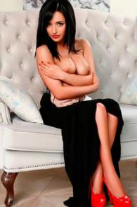 Petite Ukrainian Escort Jinny The Girl Of Your Dreams Abu Dhabi