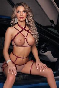Physically Perfect Czech Escort Batilda Tailors Everything To Your Needs Dubai